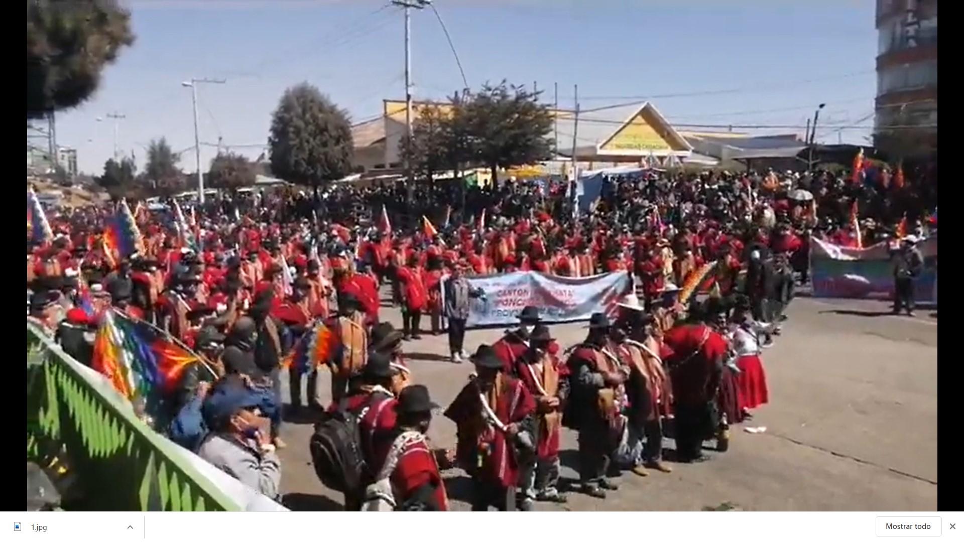 Gran marcha de protesta por la salud, la educación, la economía, los respidos masivos, rebajas salariales y postergación de las elecciones nacionales